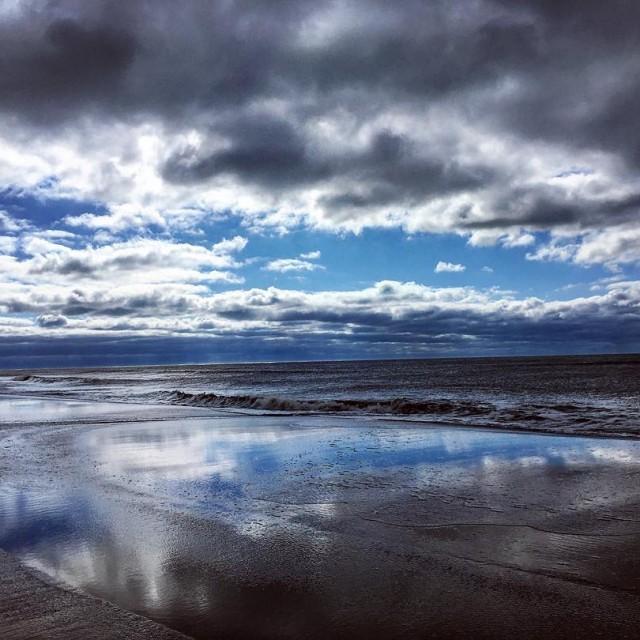 Love seeing the blue through the clouds! bnswater bnsworld bnsreflectionhellip